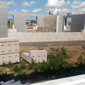 Greitu metu pirmo aukšto sienos bus pabaigtos.