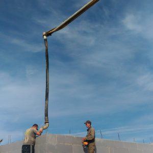 Pirmas aukštas pilamas betonu + pristatyti į objektą antro aukšto blokeliai